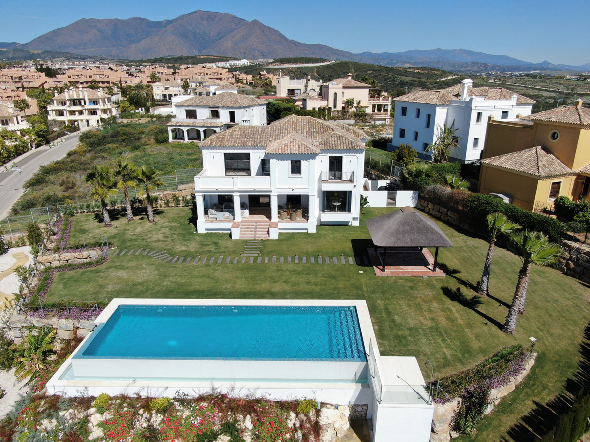 5 bedroom villa for sale casares