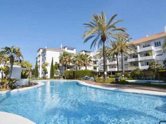 Bright apartment south facing , built with high quality materials. It has a surface of ??90 m2, 2 be,Spain