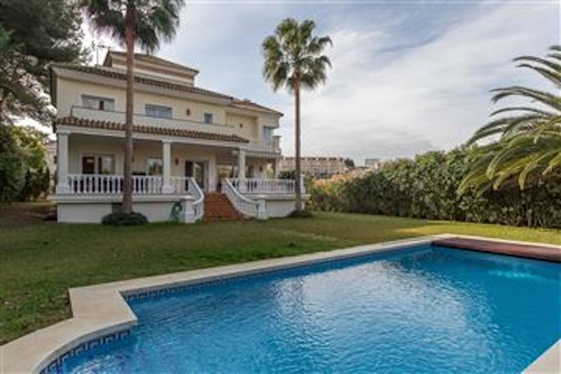 Villas for sale Puerto Banus 5