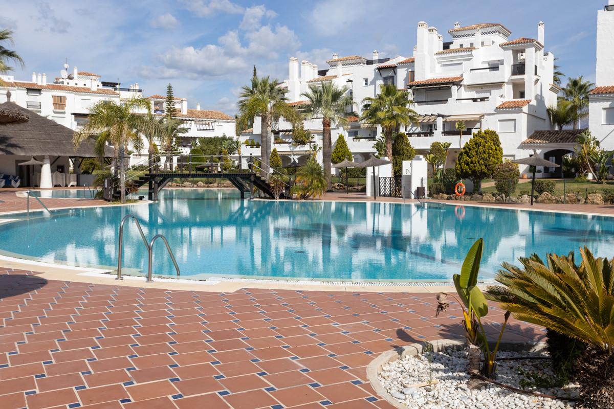 Marbella Banus Apartamento en Venta en San Pedro de Alcántara – R3677588