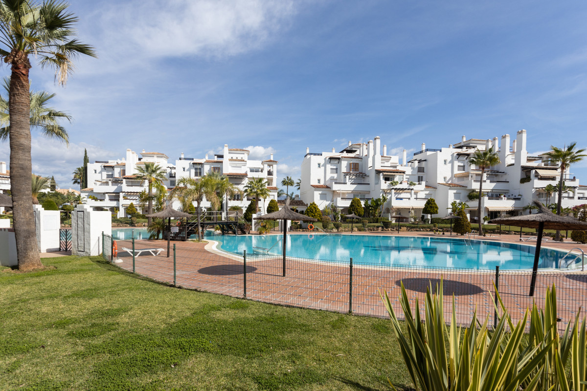 Second floor apartment located in the well known development of Las Adelfas, first line of San Pedro,Spain