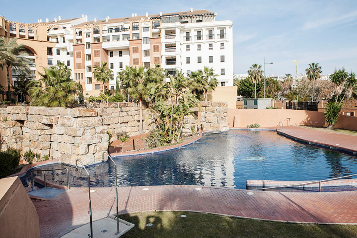 Inmaculated 4th floor apartment located in the well known development of La corona just behind the b,Spain
