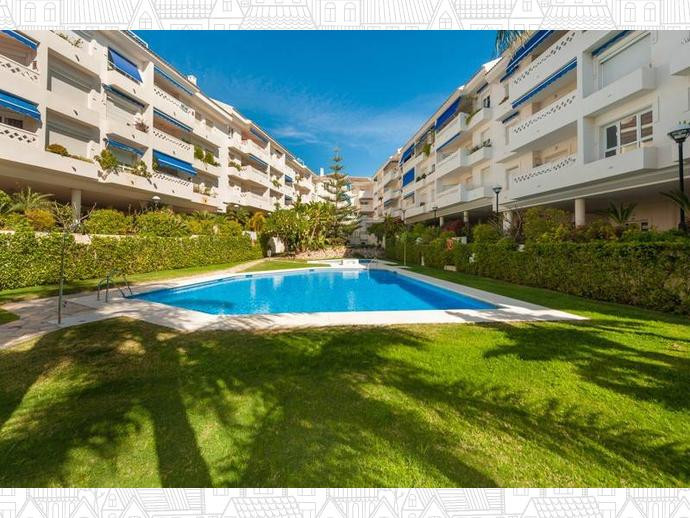 Nice first floor apartment located in San Pedro beach area, just behind the boulevard of San Pedro d,Spain