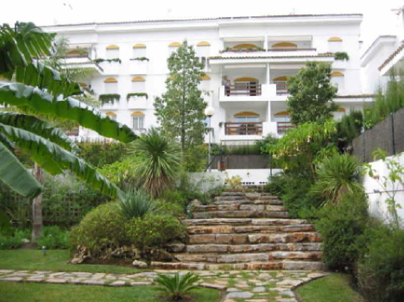Nice duplex penthouse located in the well known development of guadalmina, on the beach side, just 4,Spain