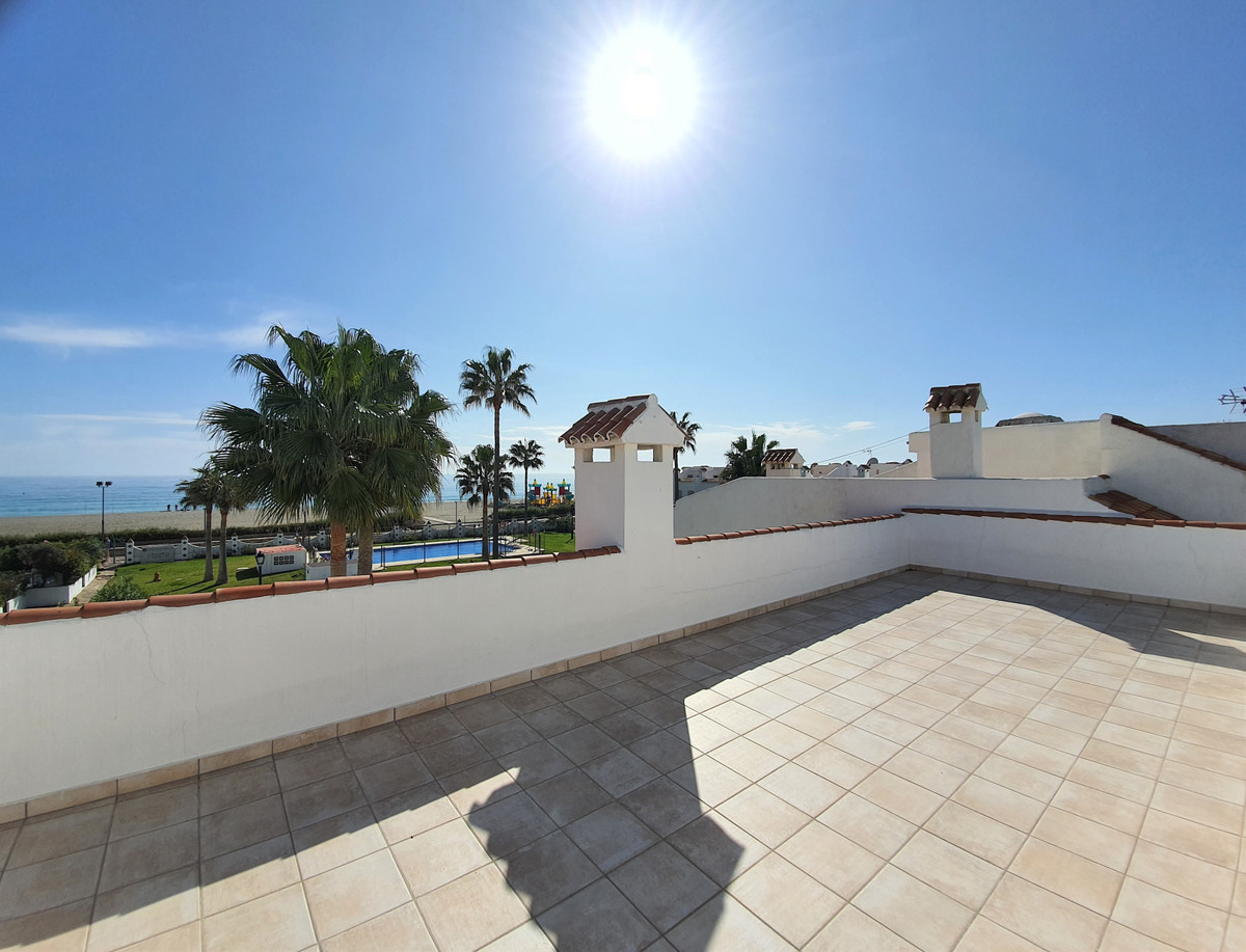 BEST LOCATION! BEACHFRONT!!!! This beautiful, corner house has 4 bedrooms and 2.5 bathrooms. It is s,Spain