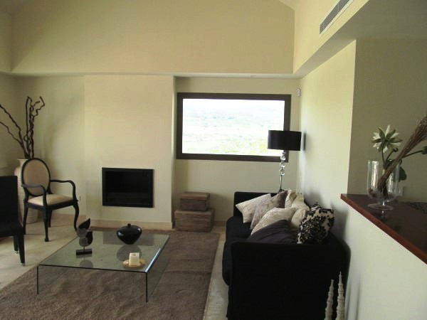 R2425079: Apartment - Middle Floor for sale in Casares