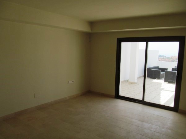 R2425064: Apartment - Penthouse for sale in Casares
