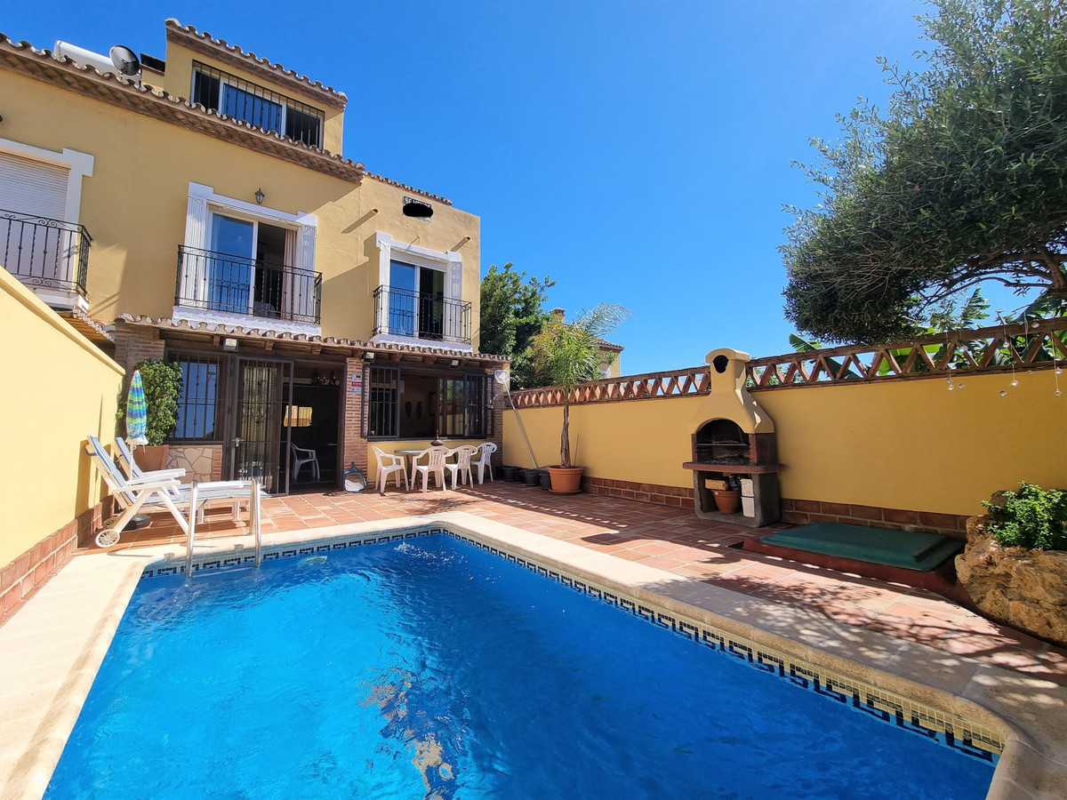 Ref:R3062623 Townhouse - Terraced For Sale in Estepona