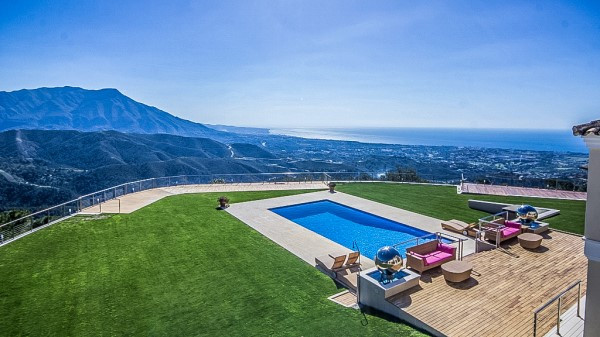 This stunning property is found in the exclusive gated estate of La Zagaleta and has just been fully,Spain
