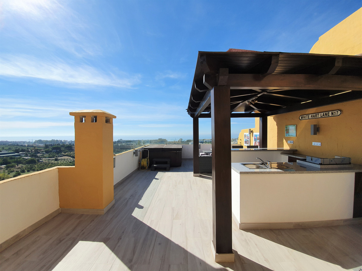 Ref:R3520681 Apartment - Penthouse For Sale in Estepona