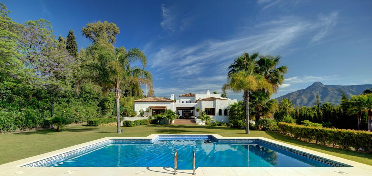 Marbella Banus Villa – Chalet en Venta en Puerto Banús – R3445804
