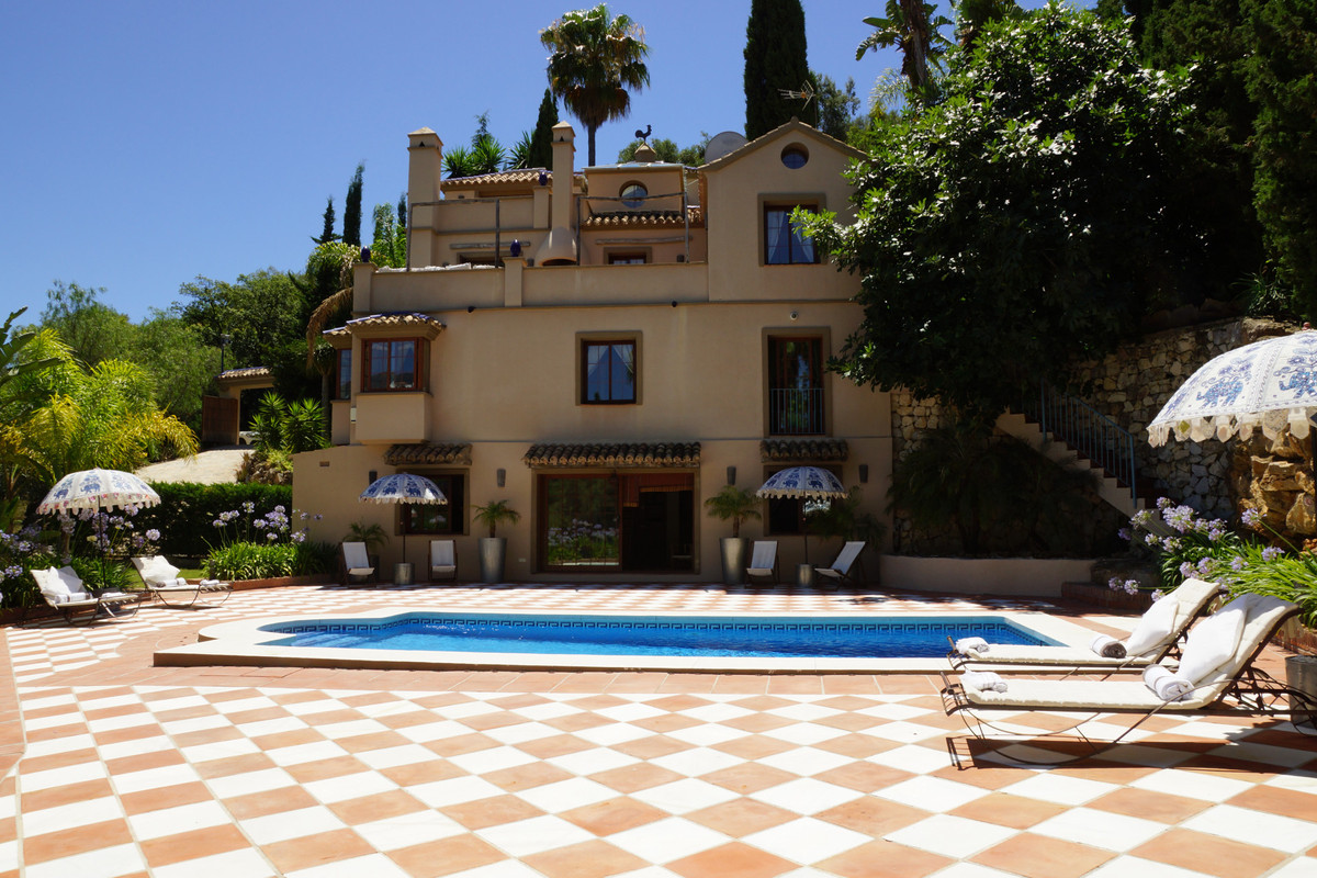 Villa for sale in Los Almendros, Benahavis. Located within a gated and secure community with panoram, Spain
