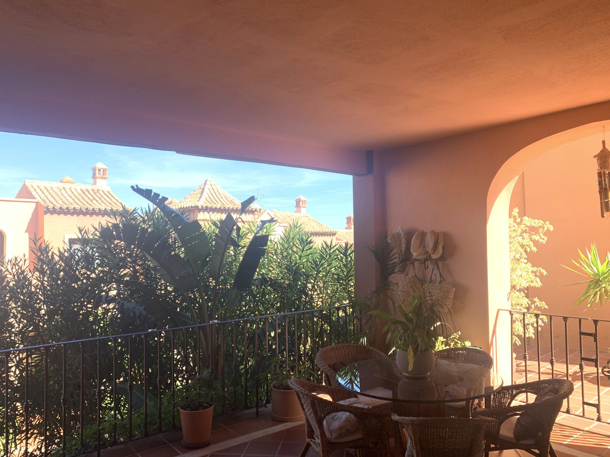 This wonderful house, perfectly decorated, has fantastic views, is located on the first line of golf,Spain