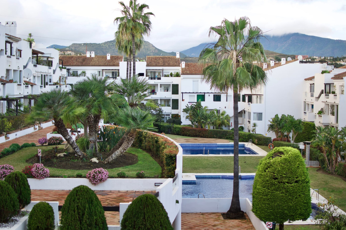 Fantastic ground floor apartment, beautifully decorated, next to the Bel Air tennis club, 5 minutes ,Spain