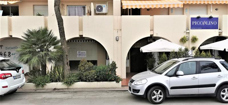 Bar in Estepona for sale