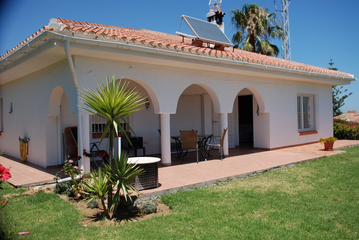 House in Estepona R3213358 2