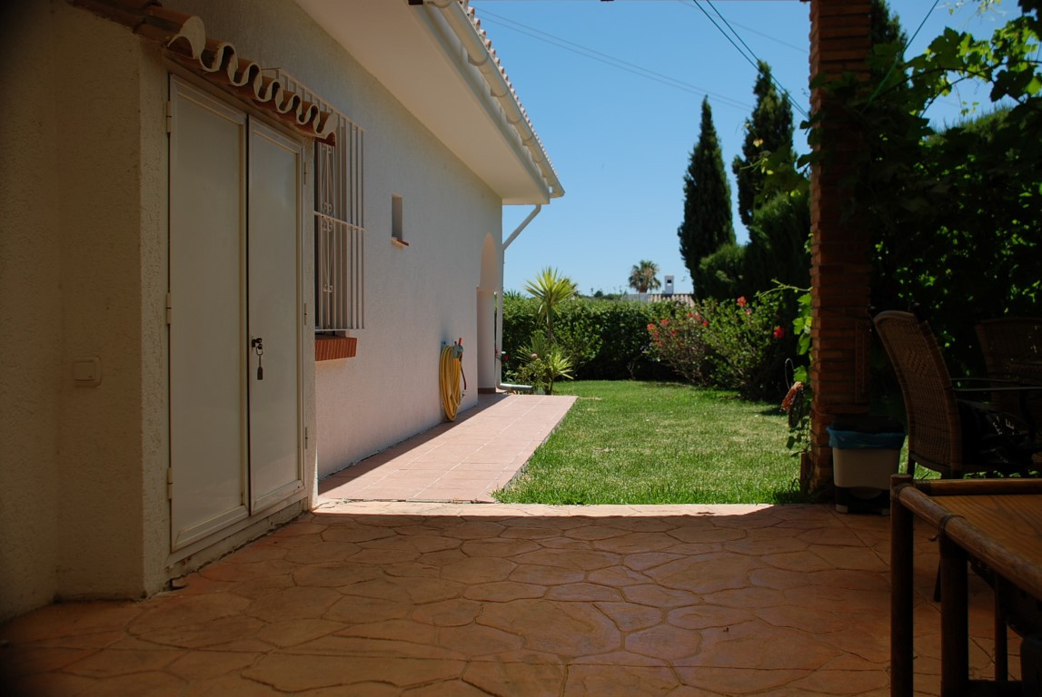 House in Estepona R3213358 6