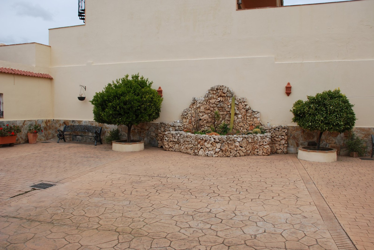 House in Estepona R2598008 51