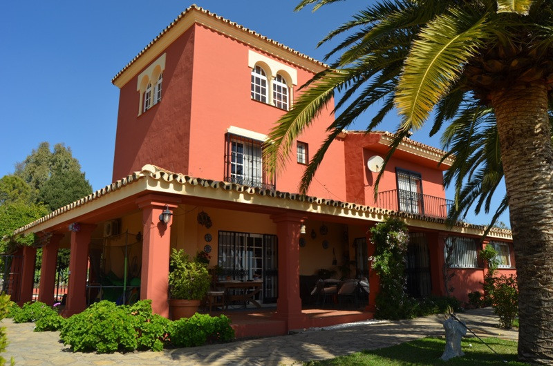 Magnificent villa with a fabulous location in the Sierra de Estepona, with panoramic views of the se,Spain