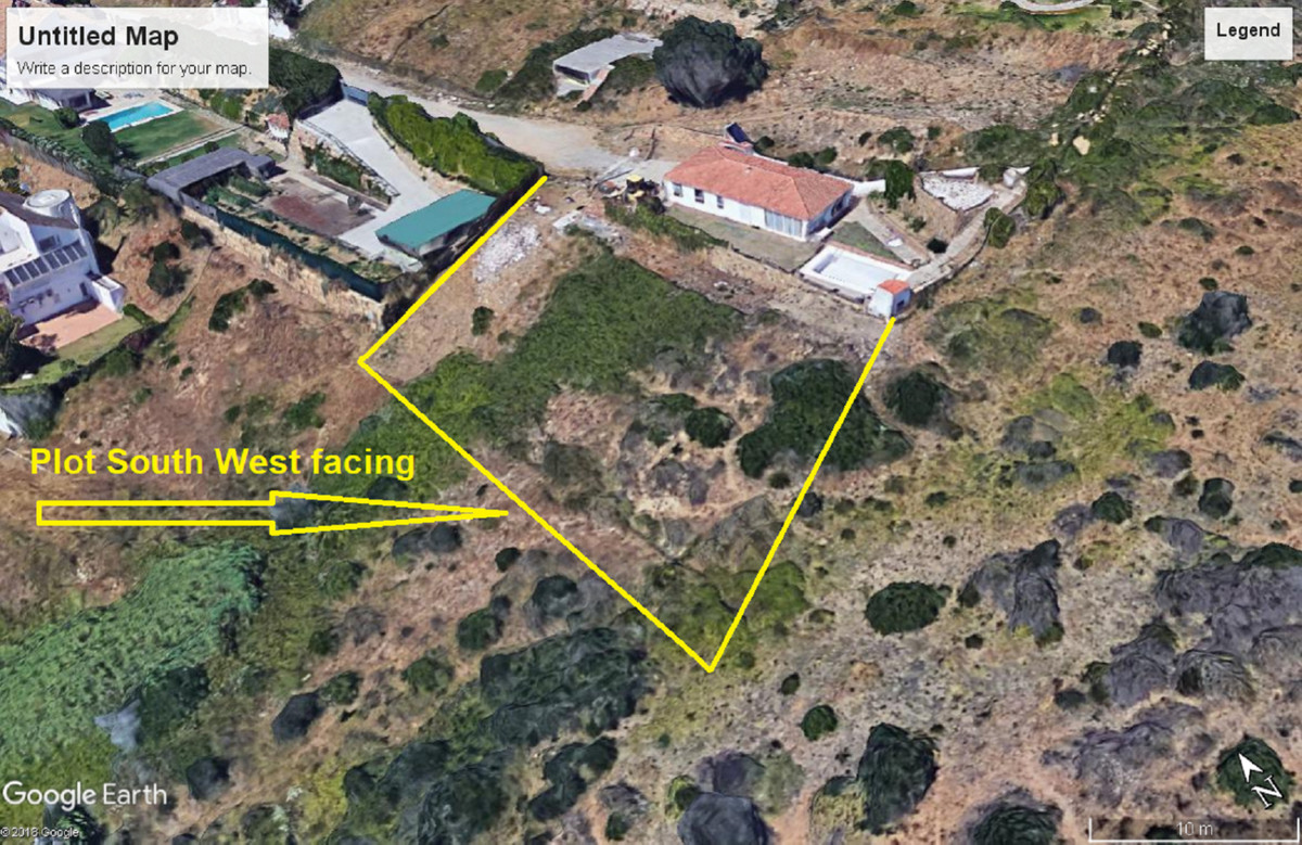 Fantastic residential plot of 1043 m2 with panoramic mountain and sea views. It is including a villa, Spain