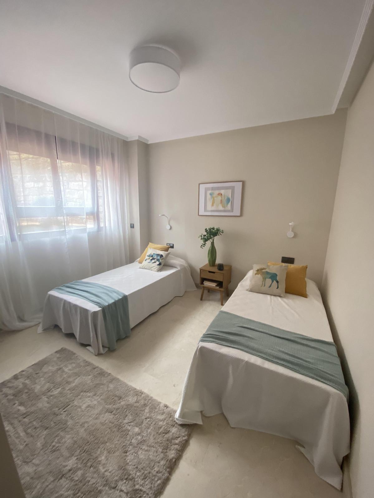 Apartamento en Venta en Elviria – R3810520
