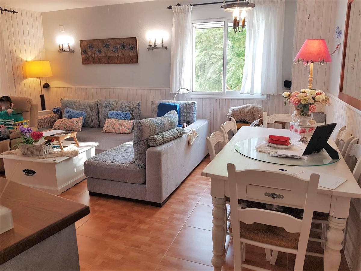 Apartment in San Pedro de Alcantara, it has a surface of 114 m² distributed in living room, kitchen,,Spain