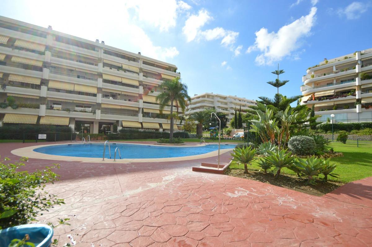Apartamento 4 Dormitorios en Venta Guadalmina Alta
