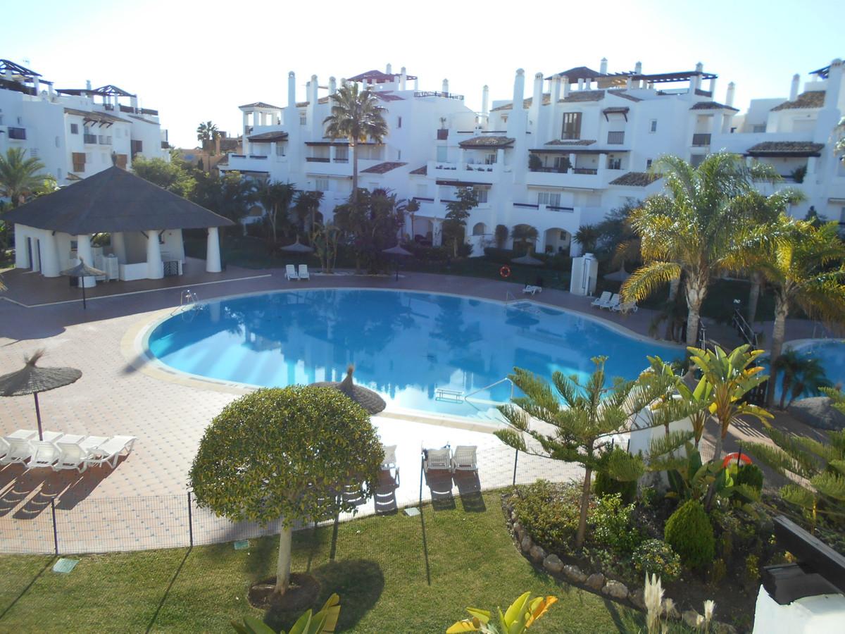 Marbella Banus Apartamento Planta Media en Venta en San Pedro de Alcántara – R2814035
