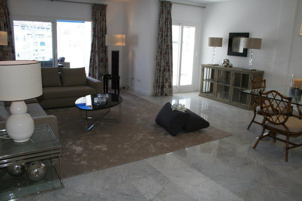 Spacious apartment located in the center of Puerto Banus in Marbella. It is located in a luxury deve, Spain