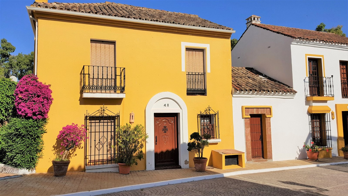 Townhouse in Guadalmina Baja