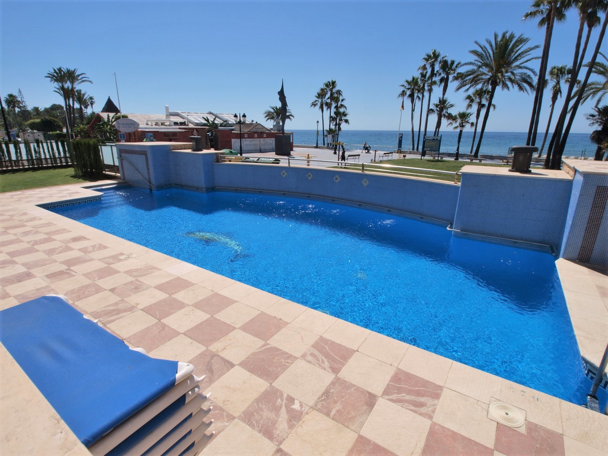 Nice, spacious and bright apartment of 121 m2 distributed in 2 bedrooms with fitted wardrobes, 2 bat,Spain