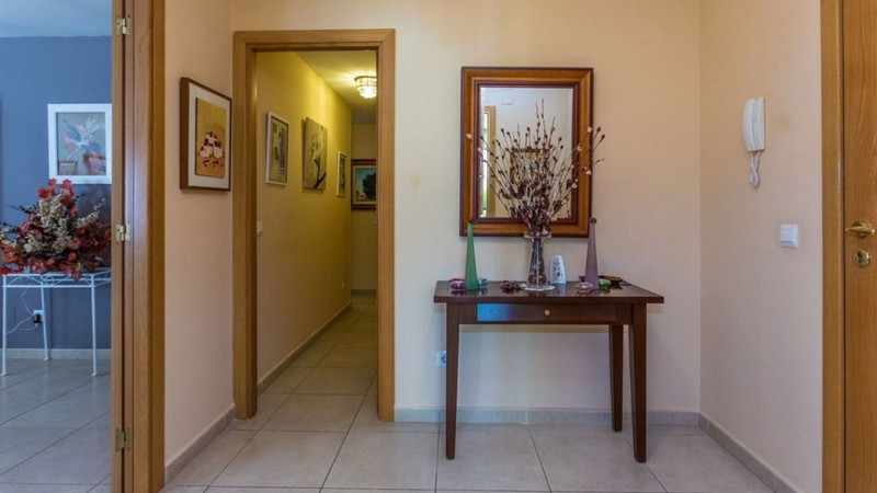 Apartamento Planta Media, La Campana – R3335119