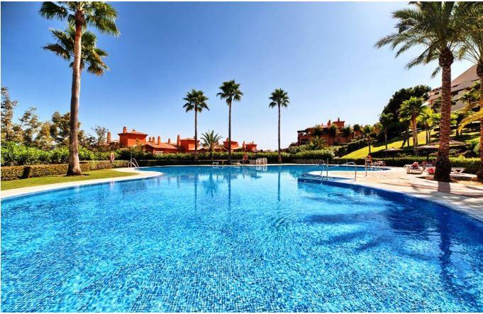 Marbella Banus Apartamento Planta Media en Venta en Benahavís – R3202126