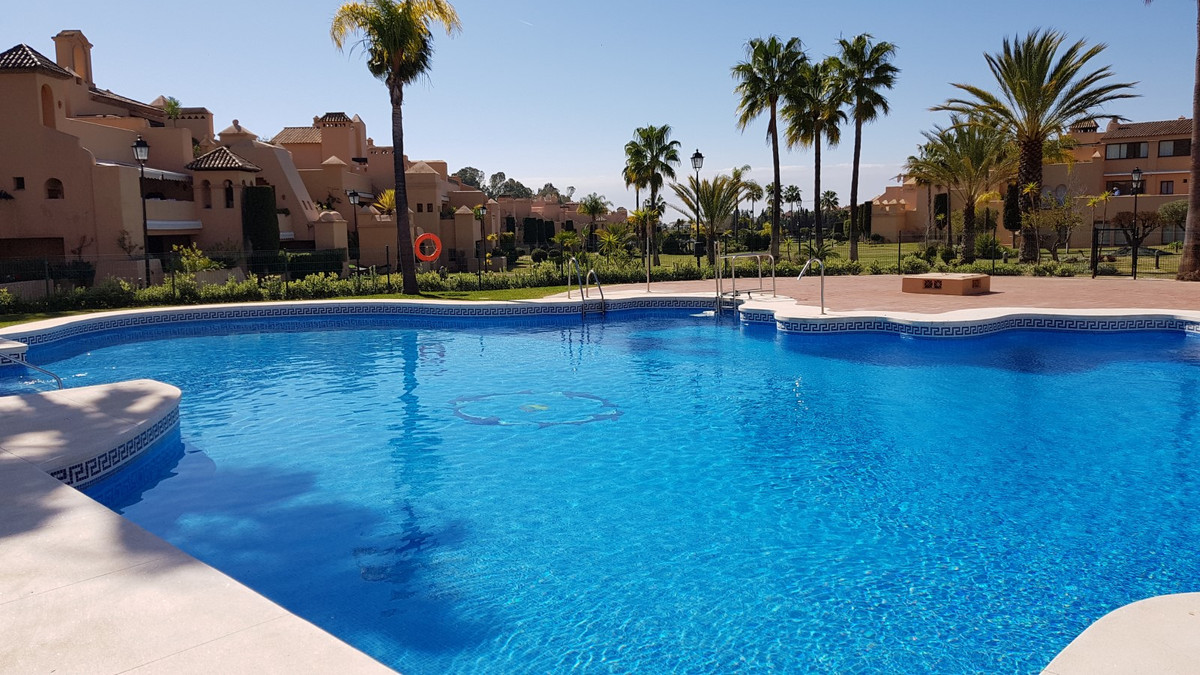 Beautiful apartment located in the urbanization Cartuja del Golf de Atalaya, between Marbella and Es, Spain