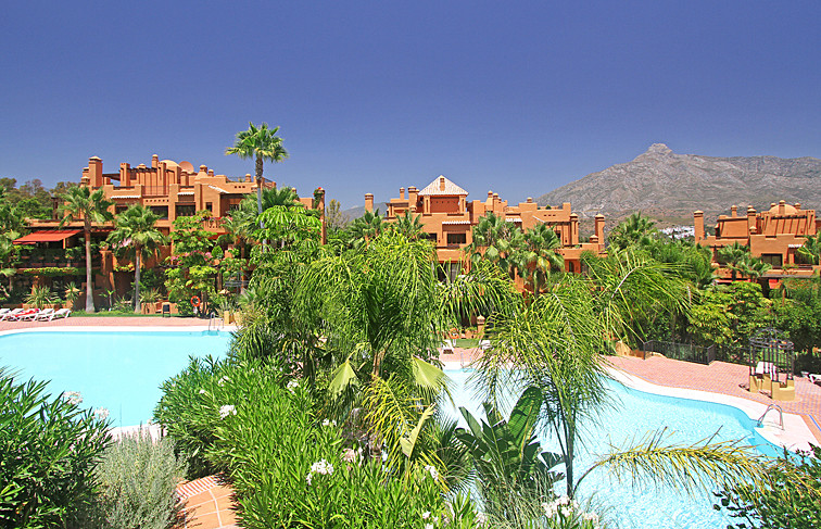 Apartamento Planta Baja en Venta en Puerto Banús – R2759660
