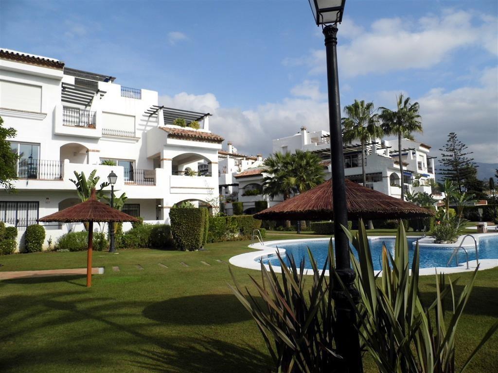 Marbella Banus Apartamento Planta Media en Venta en San Pedro de Alcántara – R2961755