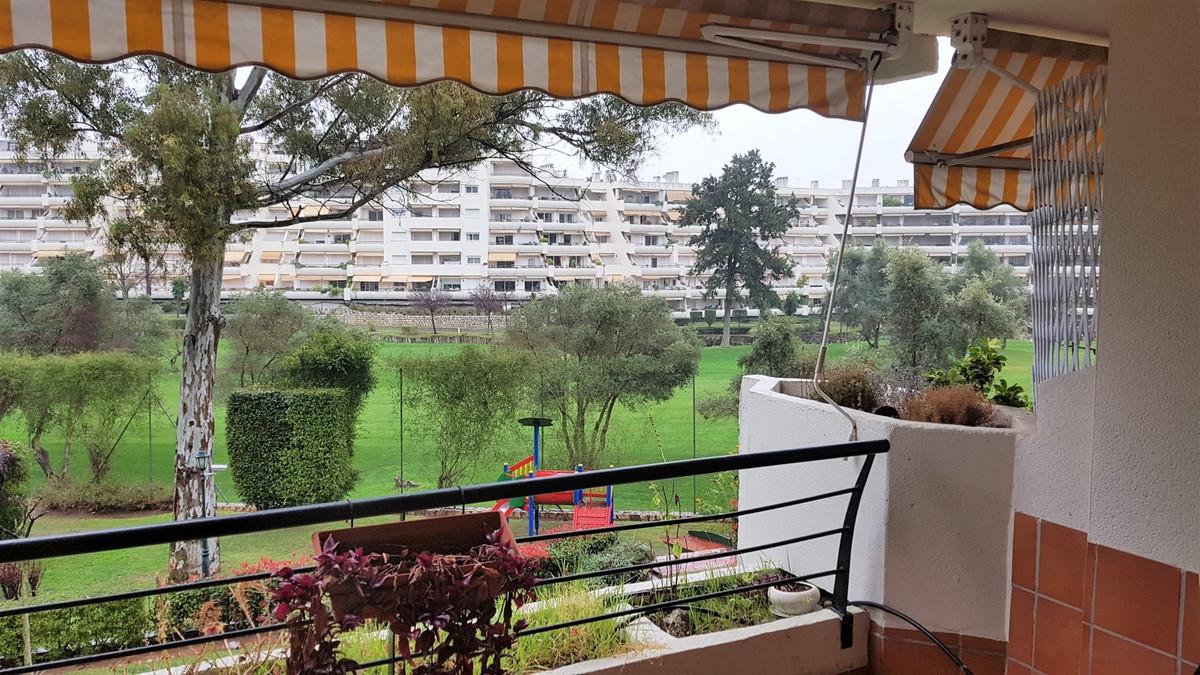 Fantastic apartment in Guadalmina Alta, between Estepona and Marbella. It consists of 2 bedrooms, a ,Spain