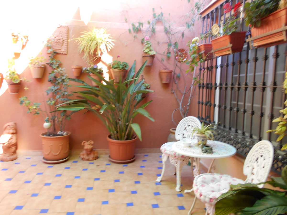 Beautiful townhouse located in the area of Nueva Andalucia in Marbella. 3 bedrooms and 2 bathrooms. ,Spain