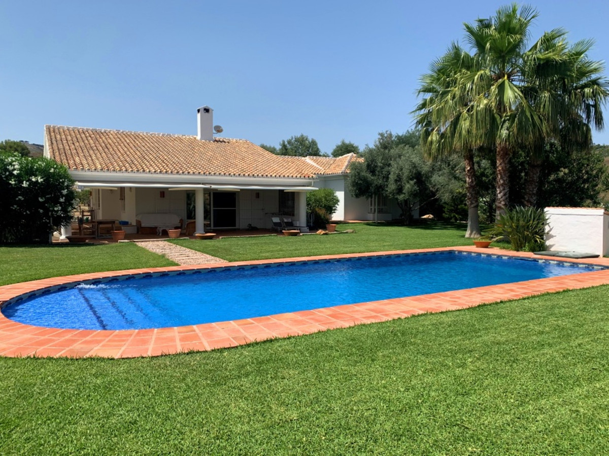 Truly breathtaking is a very accurate description for this superb value country house.  The property,Spain
