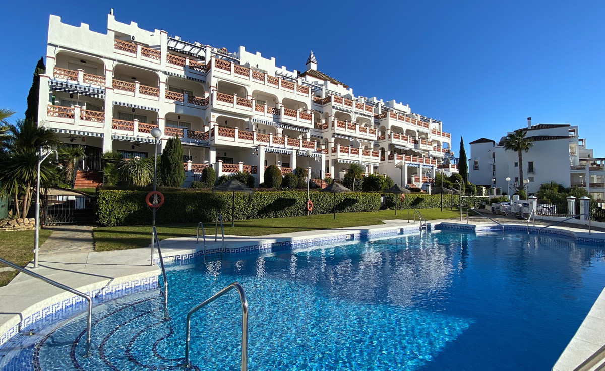 Very impressive ground floor apartment located on a very popular development in the urbanisation of , Spain