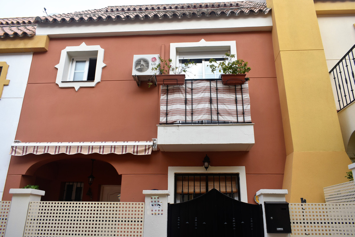 Townhouse for sale in Las Lagunas