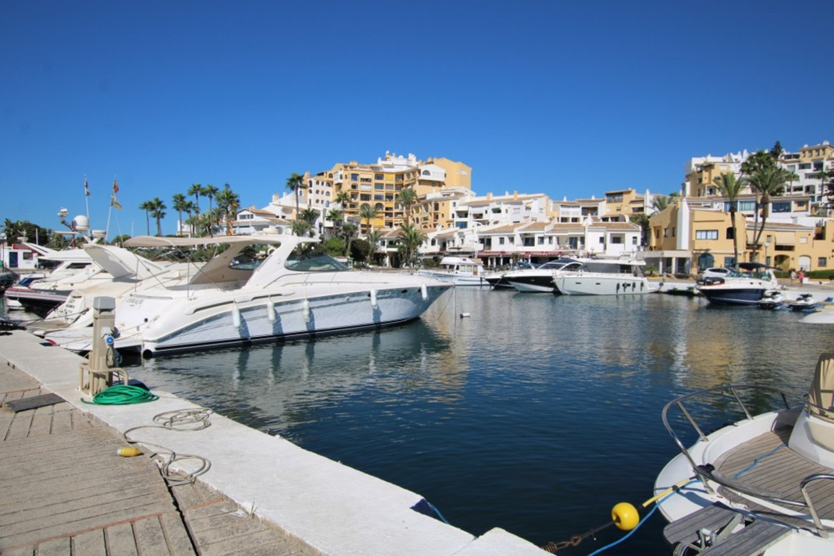 AMAZING INVESTMENT OPPORTUNITY ! WITH PROVEN SHORT TERM RENTAL TRACK RECORD  -  The beautiful settin,Spain