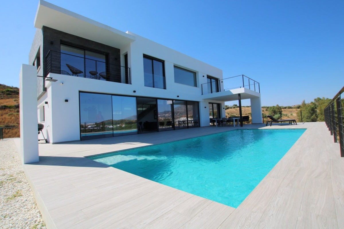 Villa  Detached 													for sale  																			 in La Cala Golf