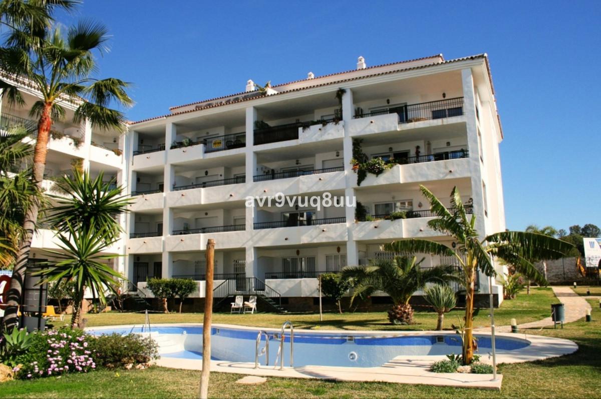 Marbella Banus Apartamento en Venta en Calahonda – R3745801