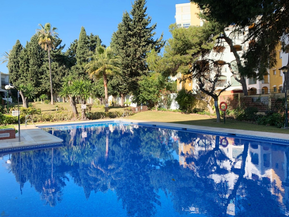 Middle Floor Apartment, Benalmadena Costa, Costa del Sol. 2 Bedrooms, 1 Bathroom, Built 0 m².  Setti, Spain