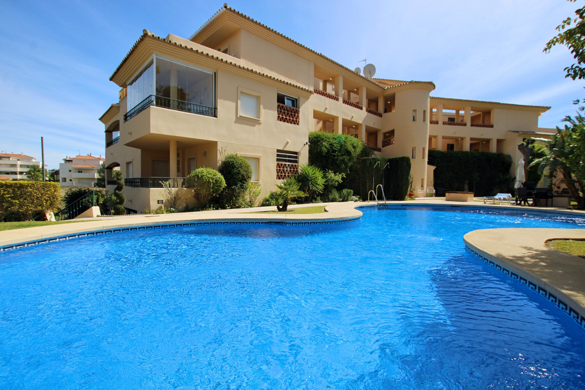 This fabulous 3 bedroom corner penthouse in La Cala Hills has an absolutely enormous wrap around ter, Spain