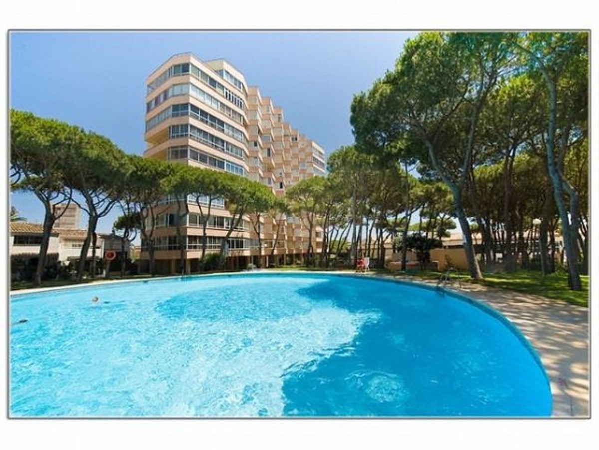 A superb investment for those who want to be close to everything but don't want to pay beachfro, Spain