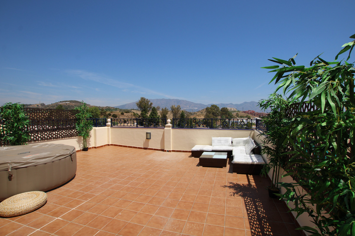 Quiet , large , reformed 4 bed , 3 bath townhouse with sea, mountain , lake and golf views ! Recentl, Spain