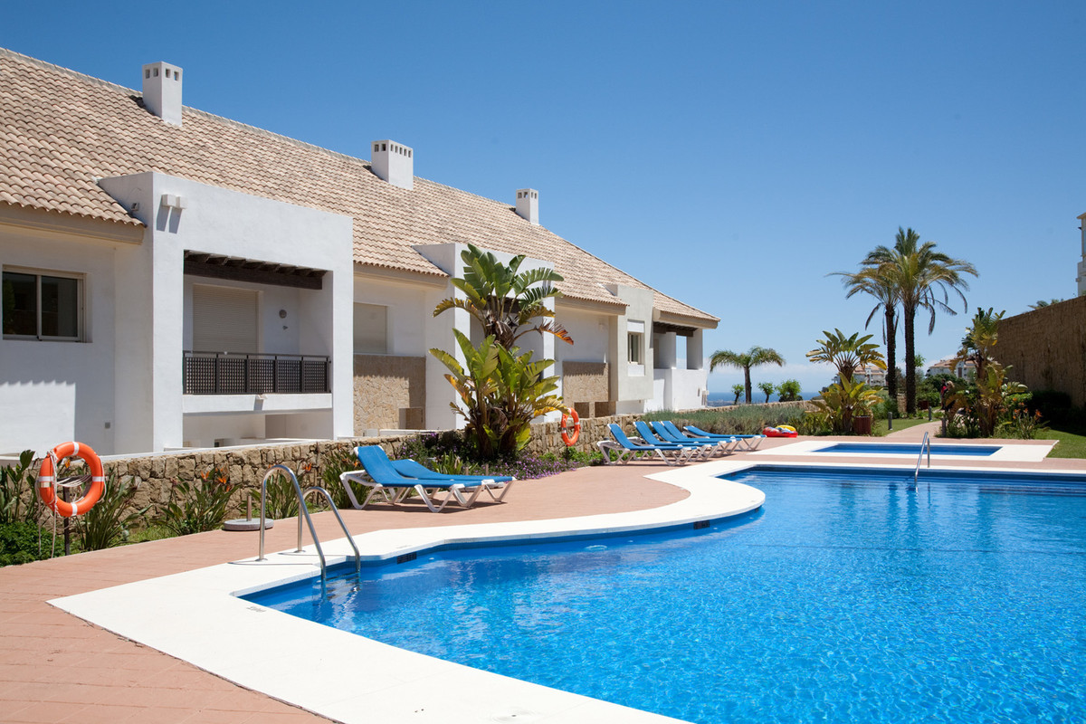 Beautiful, luxury townhouse front line on La Cala Golf with amazing panoramic views! This super prop, Spain