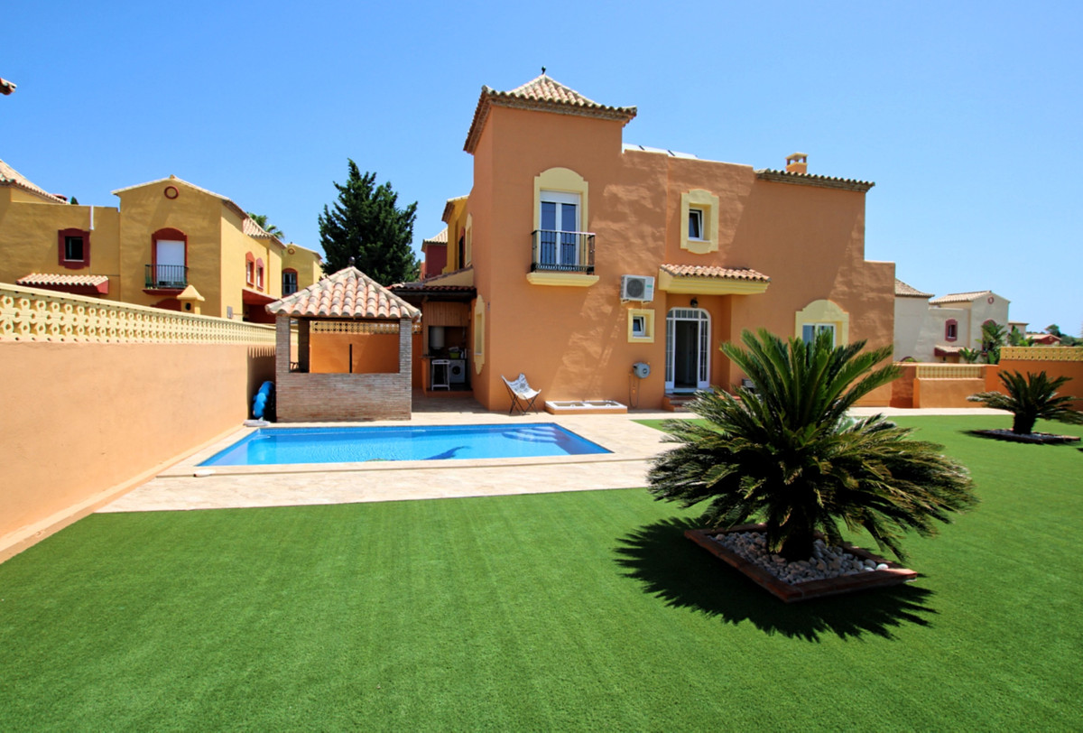 Semi-Detached House in Marbella